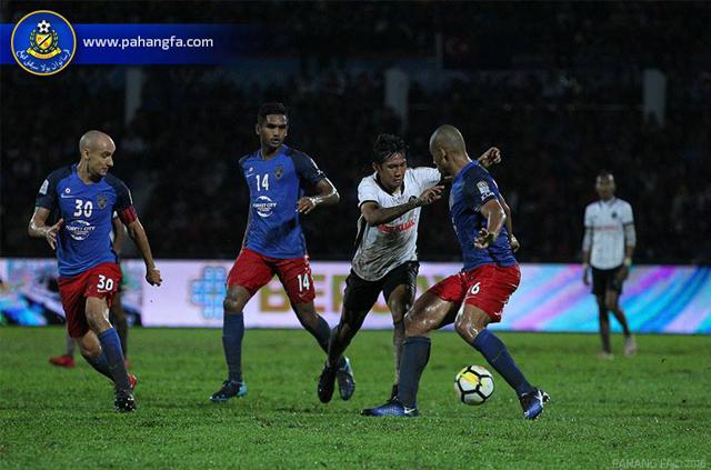 Johor ធ្លាក់ចេញពីពាន Malaysia Cup ក្នុងដីខ្លួនក្រោមថ្វីជើង Pahang
